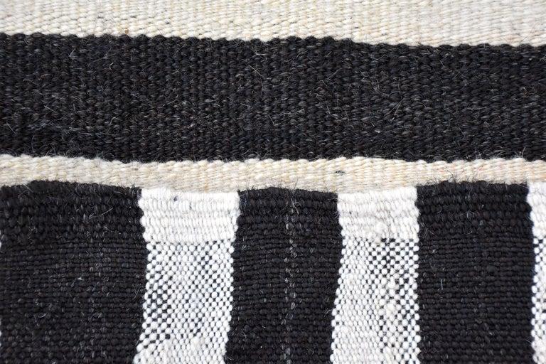 Modern Vintage Turkish Kilim Rug 'Flat-Weave' For Sale 3