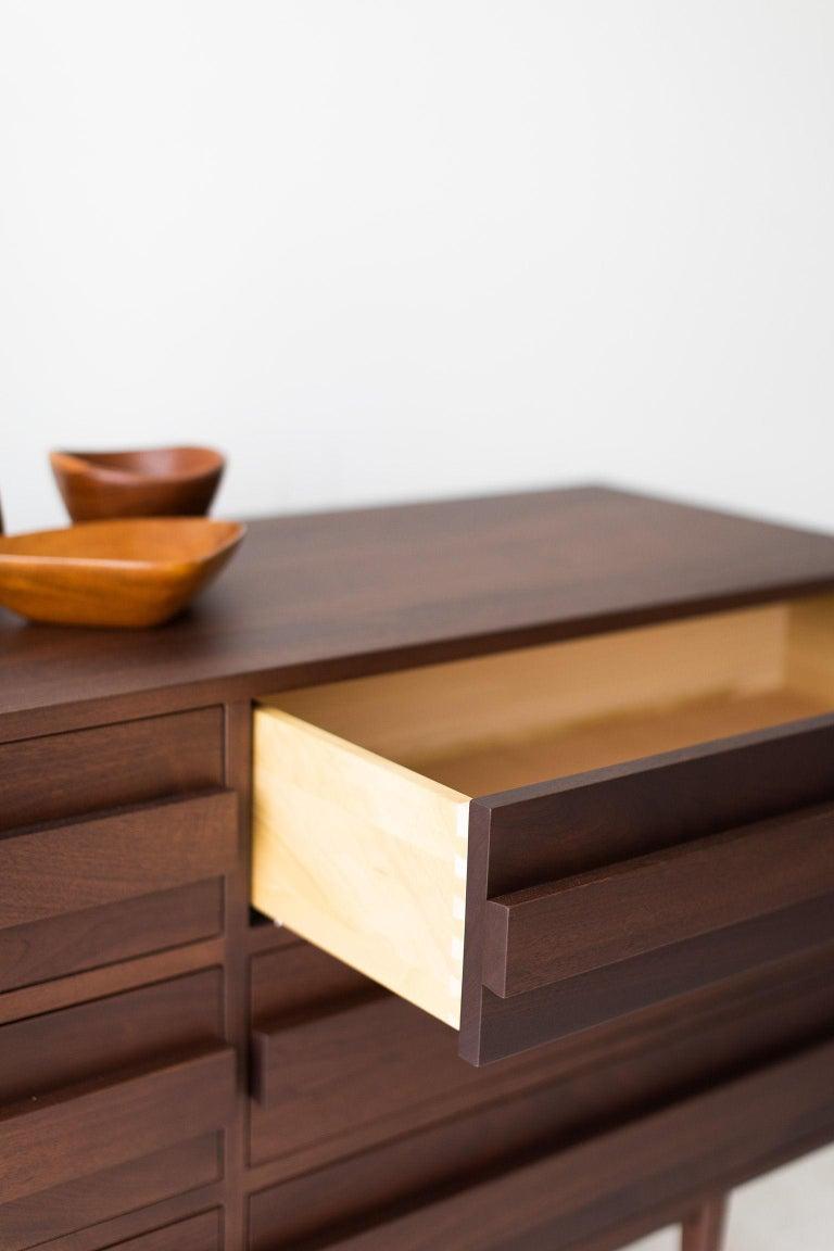 Modern Walnut Dresser In New Condition For Sale In Oak Harbor, OH