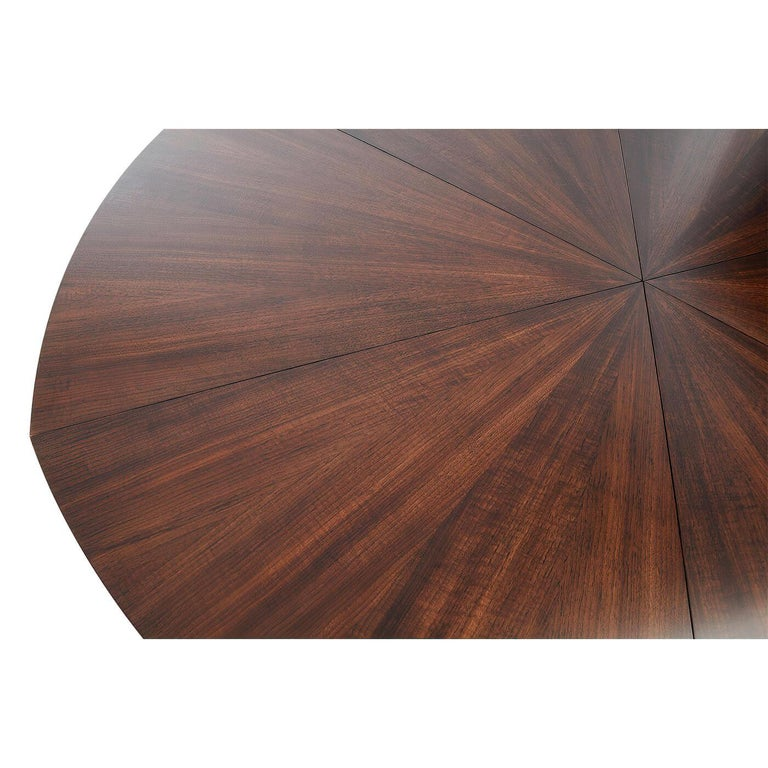 Modern Walnut Round Extension Dining Table In New Condition For Sale In Port Chester, NY