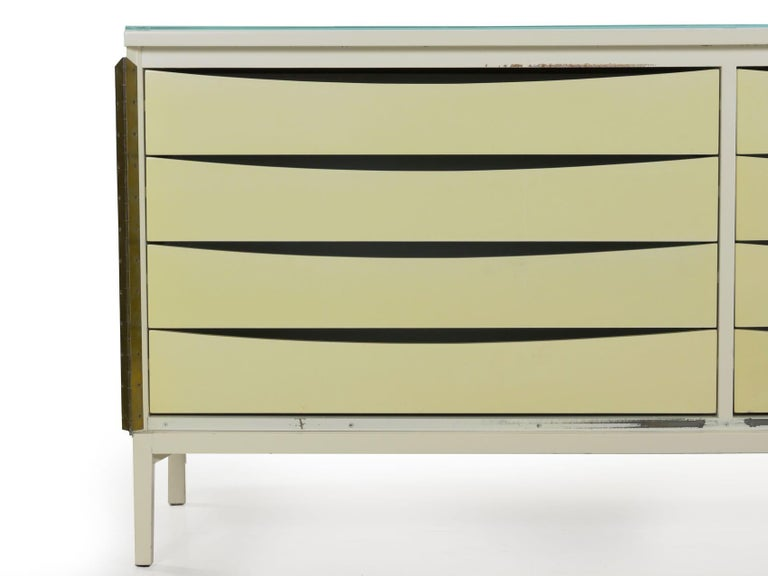 Modern White Lacquer Cabinet Credenza with Eight Drawers, circa 1980s For Sale 5