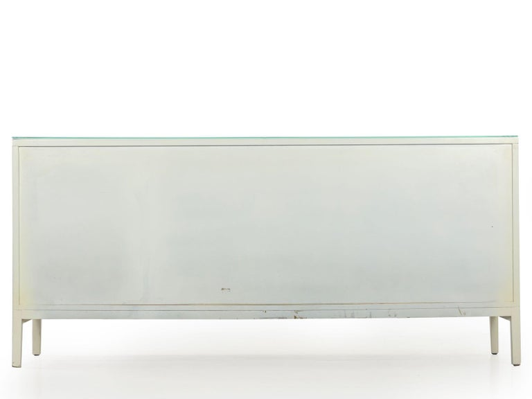 20th Century Modern White Lacquer Cabinet Credenza with Eight Drawers, circa 1980s For Sale