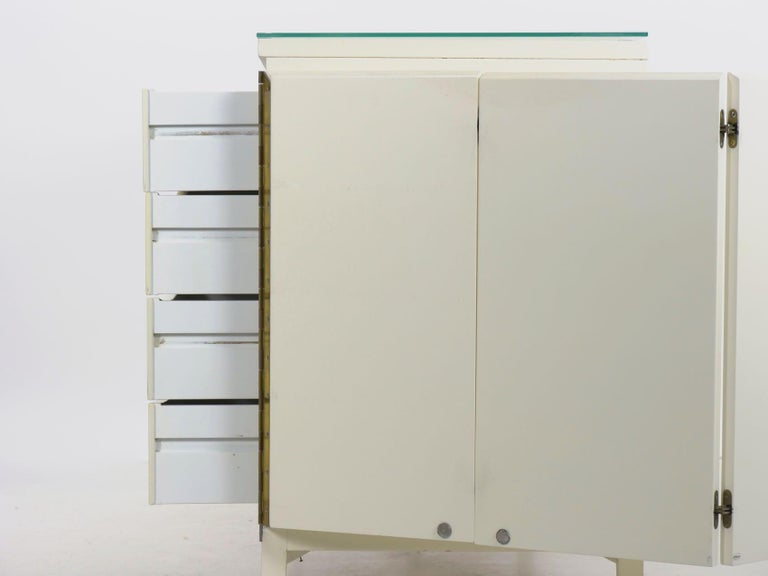 Modern White Lacquer Cabinet Credenza with Eight Drawers, circa 1980s For Sale 14