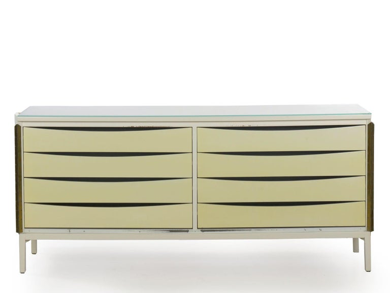 Modern White Lacquer Cabinet Credenza with Eight Drawers, circa 1980s For Sale 3