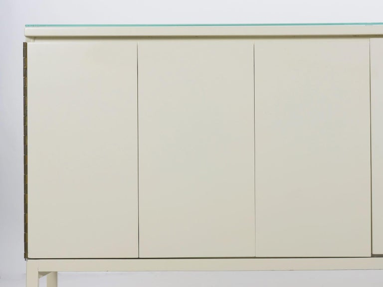 Modern White Lacquer Cabinet Credenza with Eight Drawers, circa 1980s For Sale 2