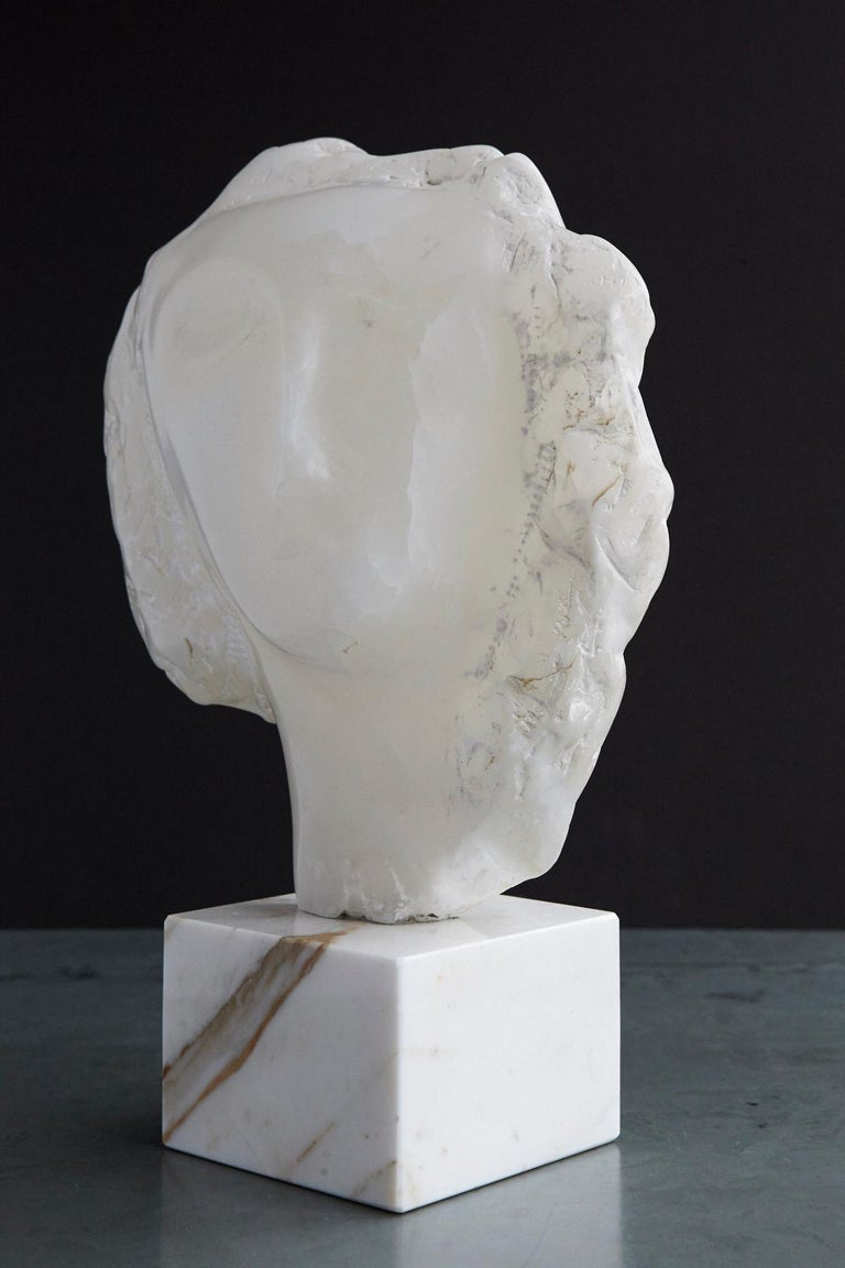 Modern White Onyx Sculpture of a Woman's Face on Marble Base, Unsigned For Sale 2