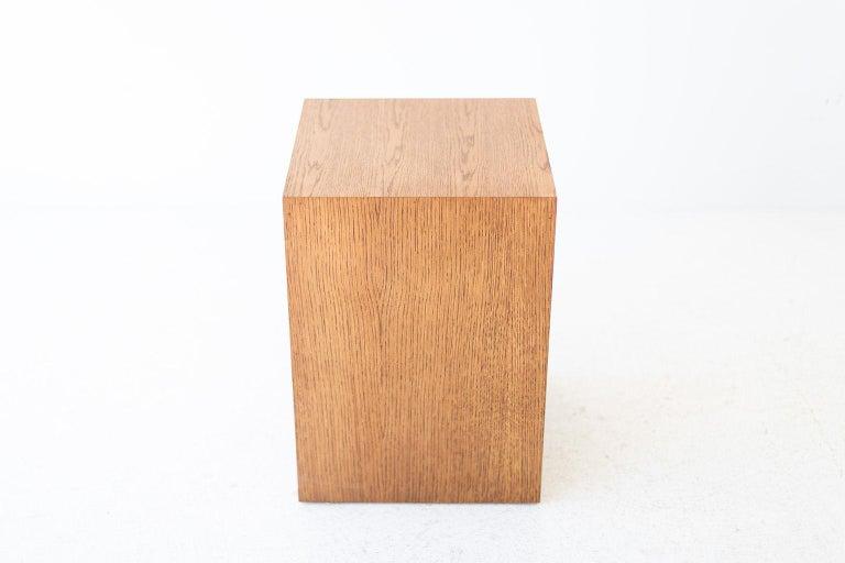 Modern Wood Side Table in Oak In New Condition For Sale In Oak Harbor, OH