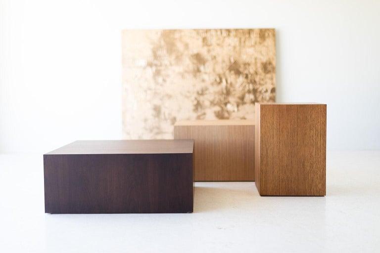 Modern Wood Side Table in Oak For Sale 3