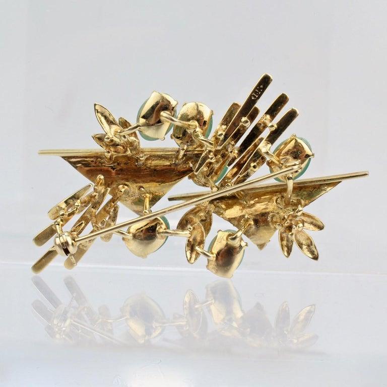 Women's Modernist 18 Karat Gold and Jade Cabochon Brooch For Sale