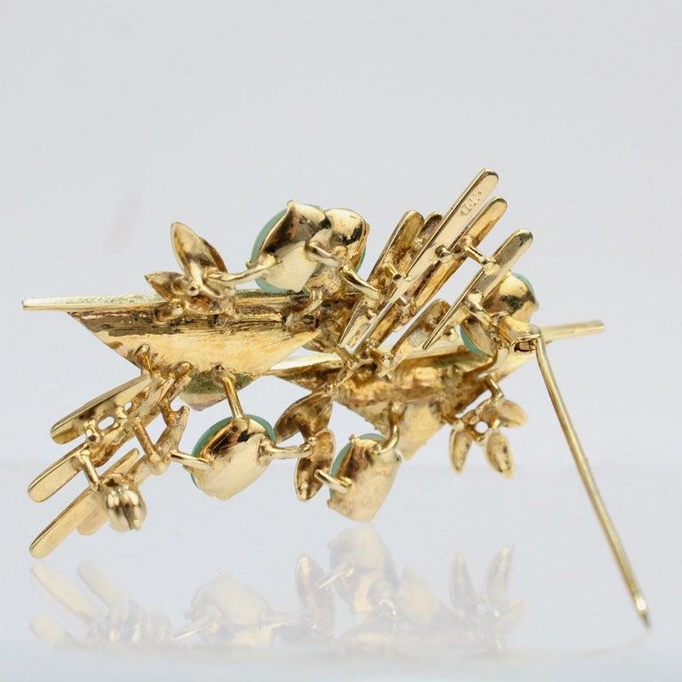 Modernist 18 Karat Gold and Jade Cabochon Brooch For Sale 1