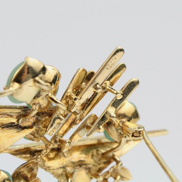 Modernist 18 Karat Gold and Jade Cabochon Brooch For Sale 2