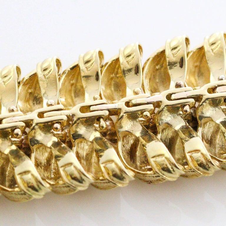 Modernist 18 Karat Yellow Gold and Diamond Leaf Link Bracelet For Sale 2