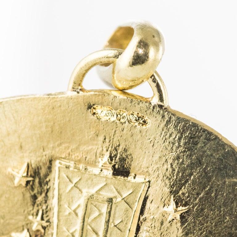 Modernist 18 Karat Yellow Gold Pendant Medal For Sale 9