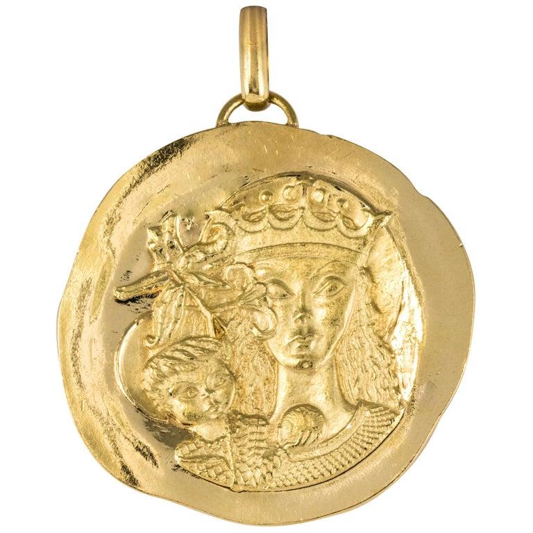Modernist 18 Karat Yellow Gold Pendant Medal For Sale