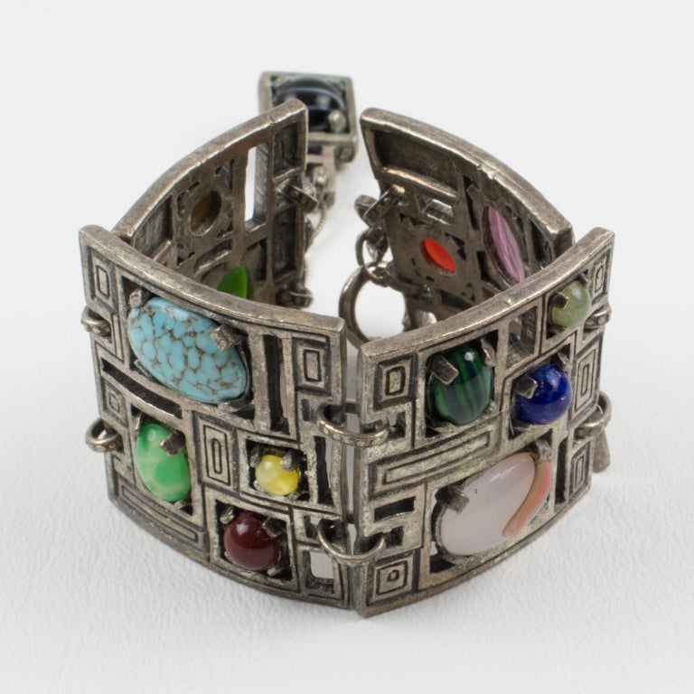 Modernist 1960s Silvered Metal Gem Stones Link Bracelet In Good Condition For Sale In Atlanta, GA
