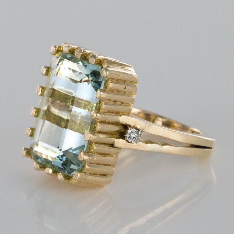 Modernist 1970s 14.20 Carat Aquamarine Diamonds Yellow Gold Ring For Sale 6