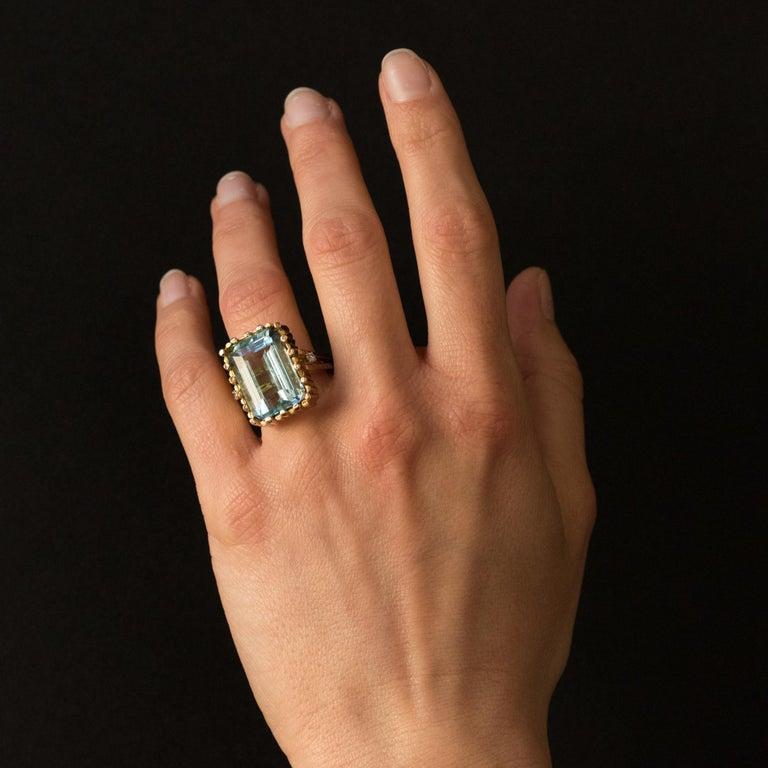 Women's Modernist 1970s 14.20 Carat Aquamarine Diamonds Yellow Gold Ring For Sale