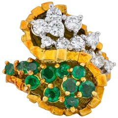 Modernist 2.20 Carat Diamond Emerald 18 Karat Gold Bypass Cocktail Ring