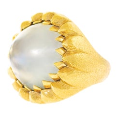Modernist 40 Carat Moonstone Set Gold Ring