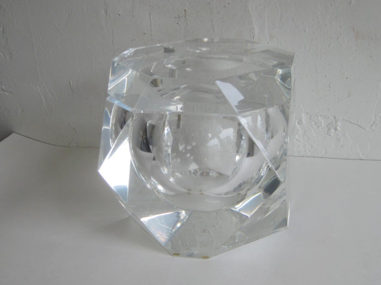 Modernist Alessandro Albrizzi Italian Faceted Lucite Bar Ice Bucket, circa 1970 For Sale 6