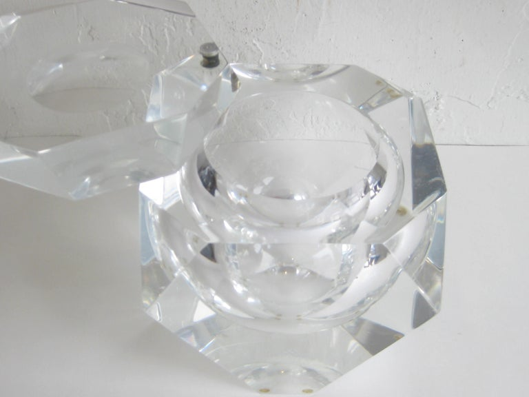 Modernist Alessandro Albrizzi Italian Faceted Lucite Bar Ice Bucket, circa 1970 For Sale 7