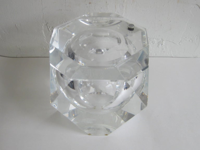 Modernist Alessandro Albrizzi Italian Faceted Lucite Bar Ice Bucket, circa 1970 For Sale 9