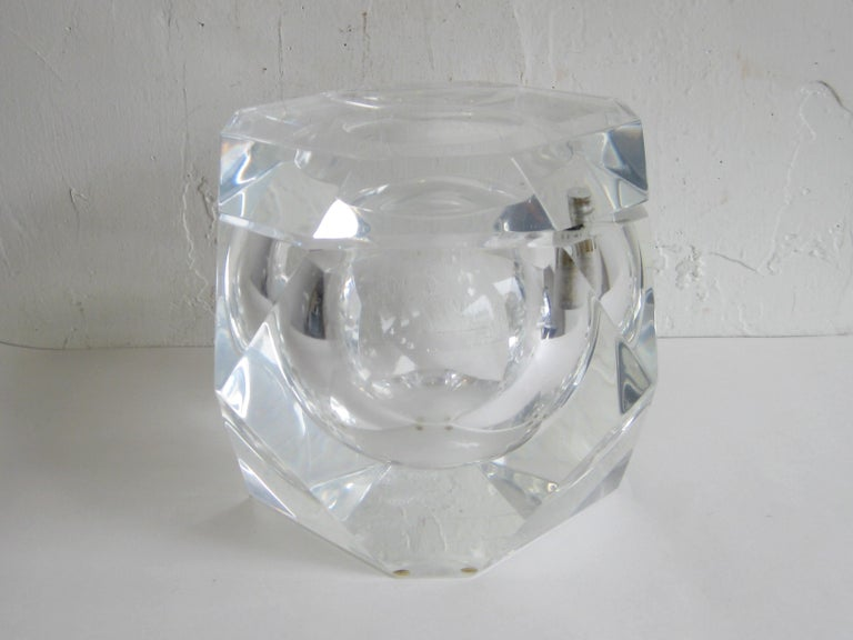 Modernist Alessandro Albrizzi Italian Faceted Lucite Bar Ice Bucket, circa 1970 For Sale 11