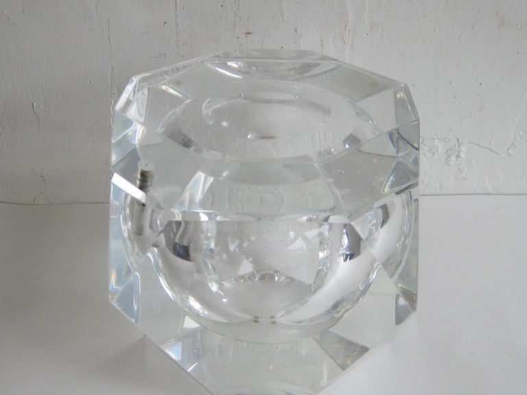Modernist Alessandro Albrizzi Italian Faceted Lucite Bar Ice Bucket, circa 1970 For Sale 12
