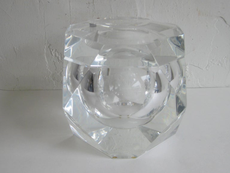 Modernist Alessandro Albrizzi Italian Faceted Lucite Bar Ice Bucket, circa 1970 For Sale 5
