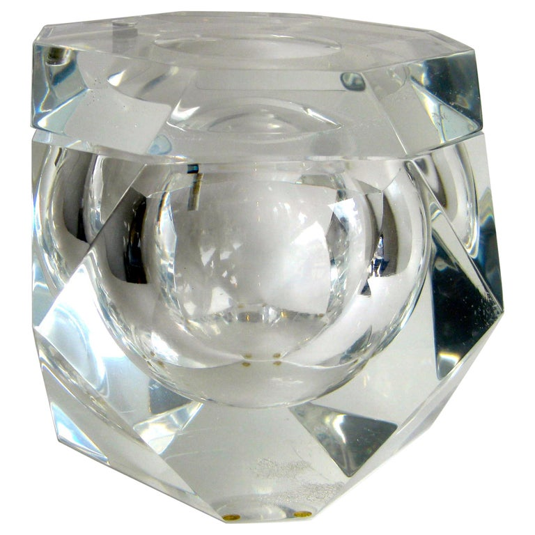 Modernist Alessandro Albrizzi Italian Faceted Lucite Bar Ice Bucket, circa 1970 For Sale