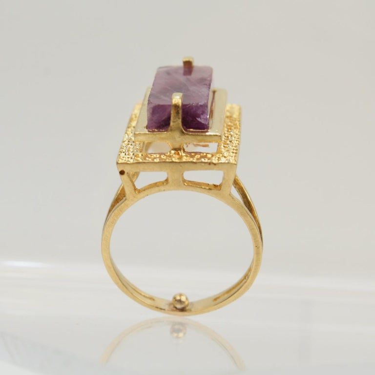 Modernist Asymmetrical 18k Gold and Rough Cut Amethyst Gemstone Cocktail Ring For Sale 8