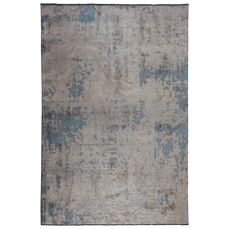 Modernist Beige Gray Light Blue Abstract Fade Pattern Luxury Soft Semi-Plush Rug For Sale