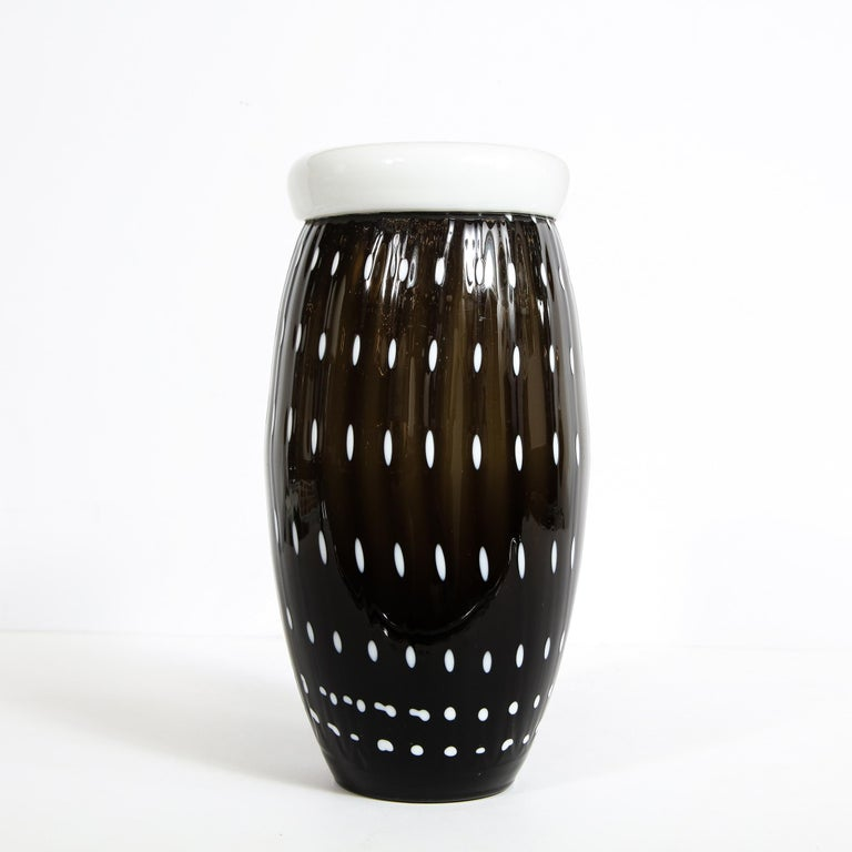 Modernist Black Hand Blown Murano Vase with White Murines In Excellent Condition For Sale In New York, NY