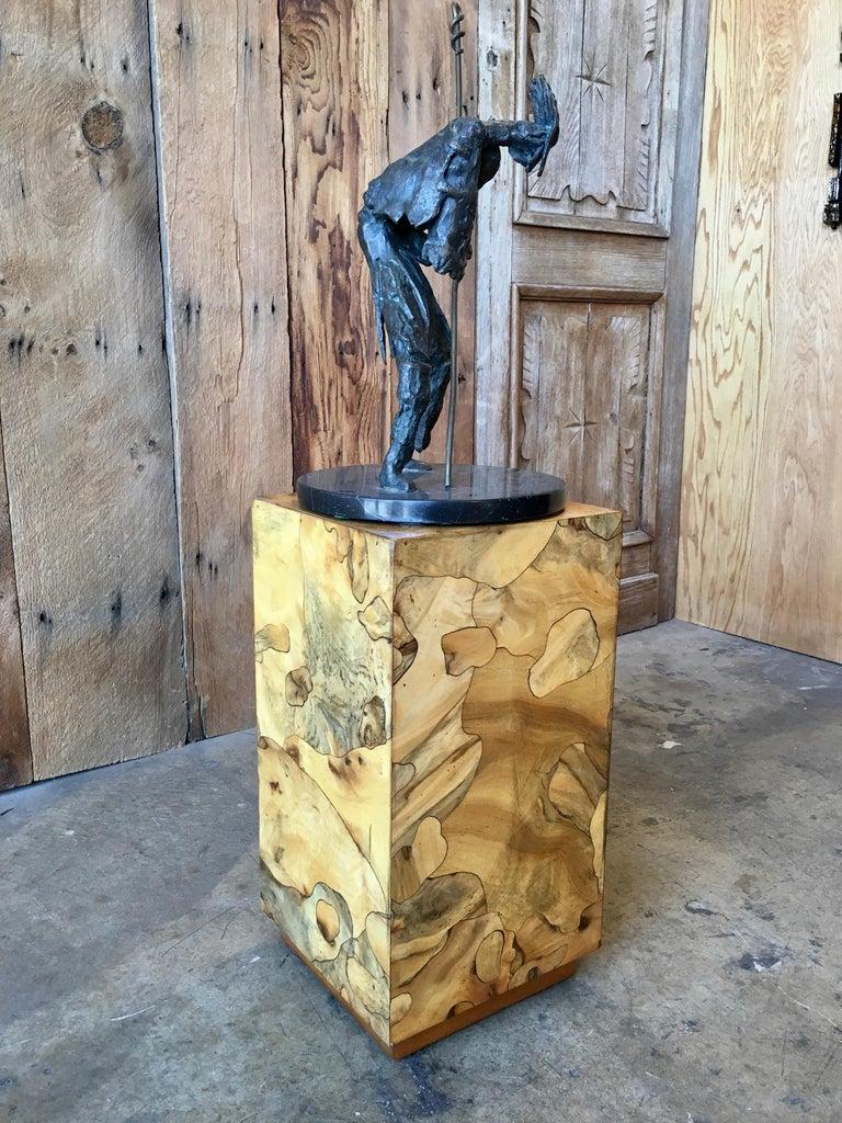 Modernist Burl Wood Pedestal In Good Condition For Sale In Laguna Hills, CA