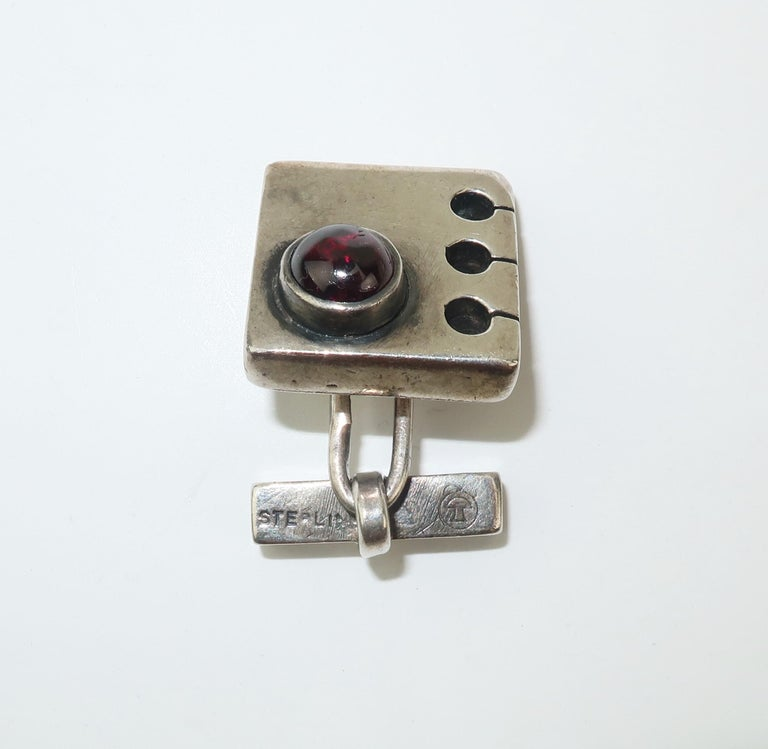 Modernist C.1950 Sam Kramer Sterling Silver & Garnet Cufflinks For Sale 3