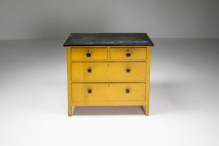 Modernist Chest of Drawers by Wouda, 1924 In Good Condition For Sale In Antwerp, BE