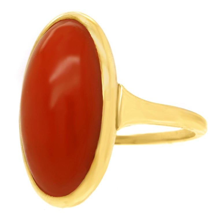 Modernist Coral-Set Gold Ring In Excellent Condition For Sale In Litchfield, CT