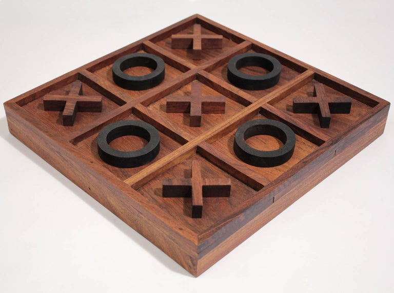 Modernist Craftsman Studio Tic Tac Toe Sculptural Carved Rosewood Wood Game In Excellent Condition For Sale In San Diego, CA