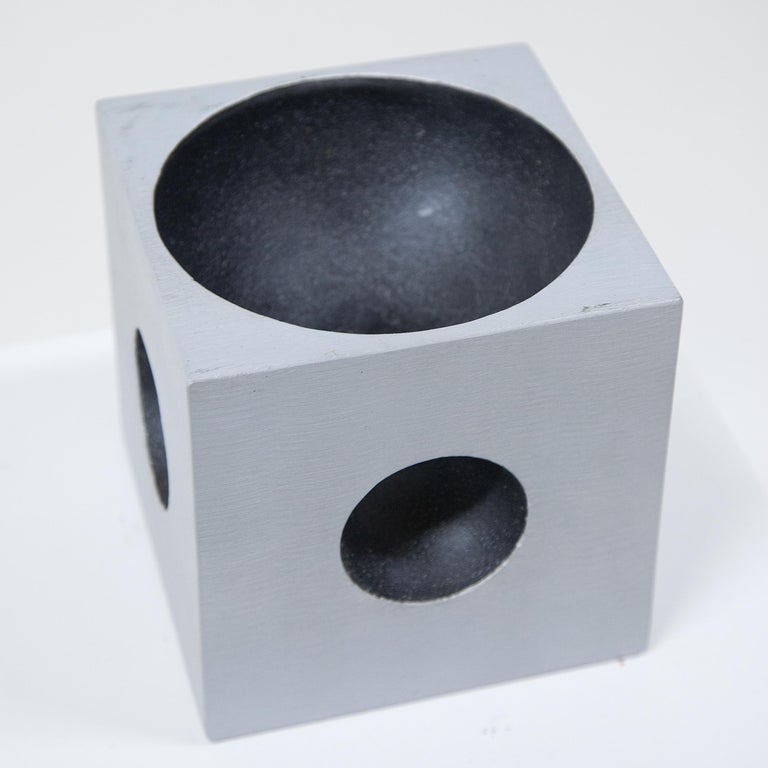 Modernist Cube Sculpture by Artist Lorenzo Burchiellaro In Good Condition For Sale In New York, NY