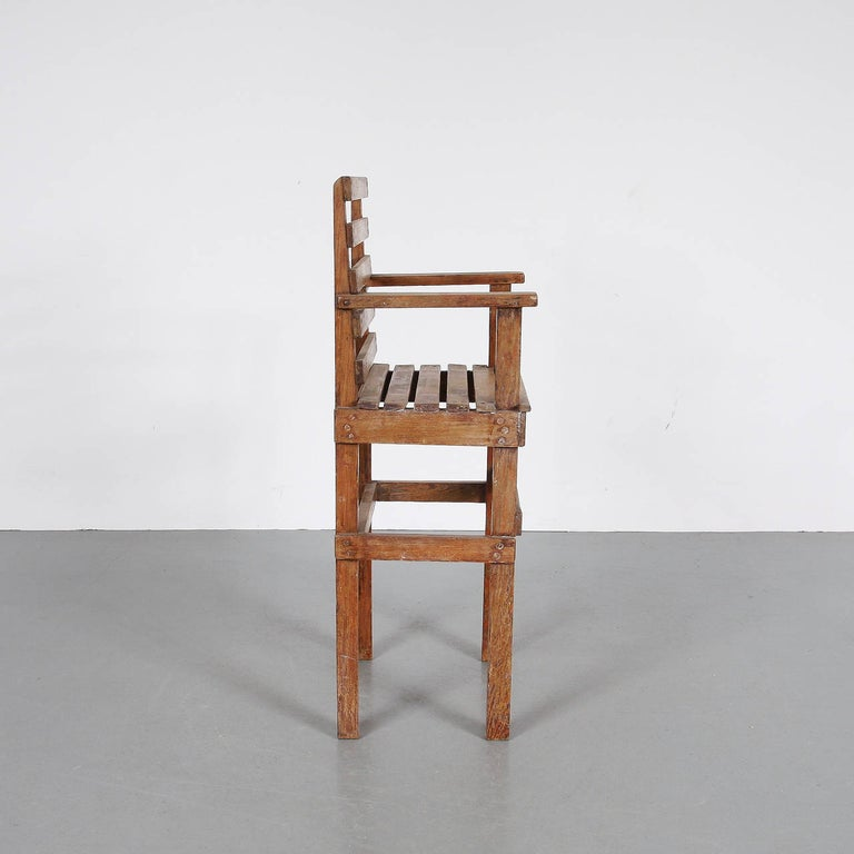 Modernist Dutch children chair, manufactured in by unknown manufacturer in Holland, circa 1950.