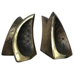 Modernist Engraved Brass Sculptural Bookends by Ben Seibel for Raymor