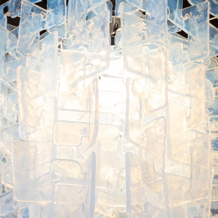 Modernist Interlocking Chandelier in Hand Blown Murano Opalescent Glass In Excellent Condition For Sale In New York, NY