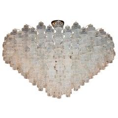 Modernistischer Kronleuchter aus hantelförmigen schillernden Muranoglas-Elementen
