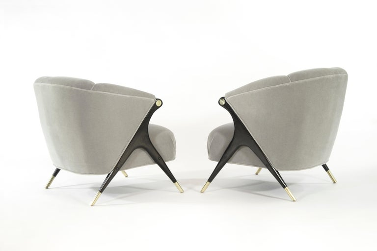 Mid-Century Modern Modernist Karpen Lounge Chairs in Taupe Mohair, 1950s For Sale
