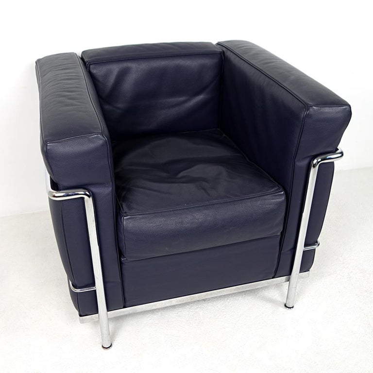 Modernist LC2 Easy Chair by Le Corbusier and Charlotte Perriand for Cassina For Sale 4