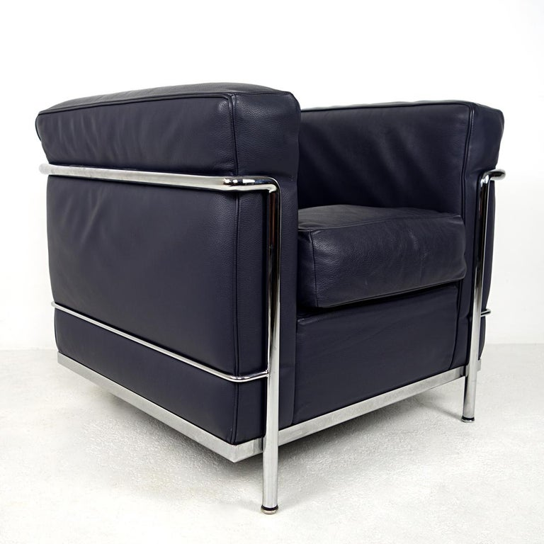 Modernist LC2 Easy Chair by Le Corbusier and Charlotte Perriand for Cassina For Sale 2