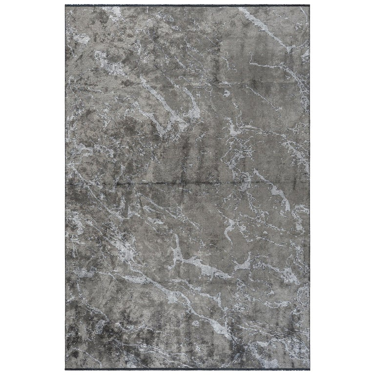 Modernist Medium Gray Abstract Marble Pattern Luxury Soft Semi-Plush Rug For Sale