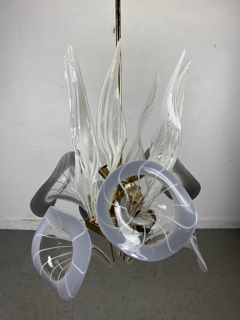 Modernist Murano Glass Chandelier, Trumpet Flower Blown Glass, Italy, 1970s For Sale 1
