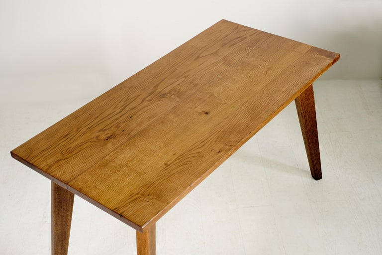 Modernist Oak Table, French Reconstruction, 1950 For Sale 1