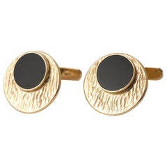 Modernist Onyx and Textured Swilink 9 Carat Gold Cuff Links