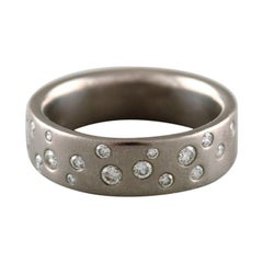 Modernist Ring in Titanium with Numerous Diamonds, Certificate Included